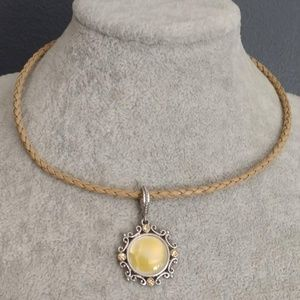 Yellow opalescent pendant w/crystals